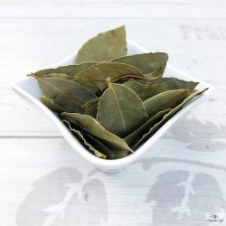 Laurel leaves whole (pressed bales)