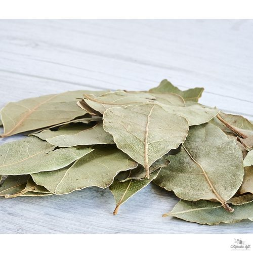 Laurel leaves whole (semi selected) 250g