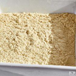 A citromhéj őrölt változatát forró italok, sütemények, desszertek ízesítésére használják elsősorban.
