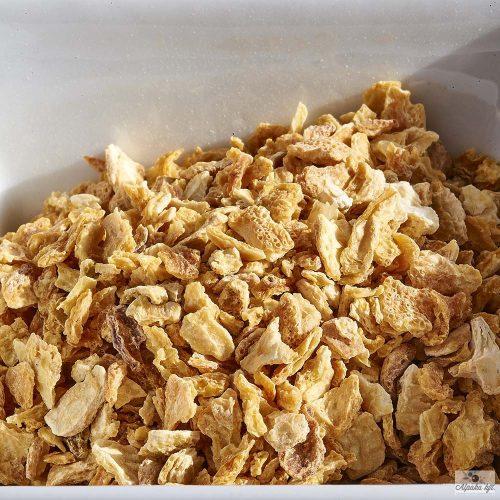 A reszelt citromhéj fantáziadúsan alkalmazható a hús- és halételek elkészítéséhez is.