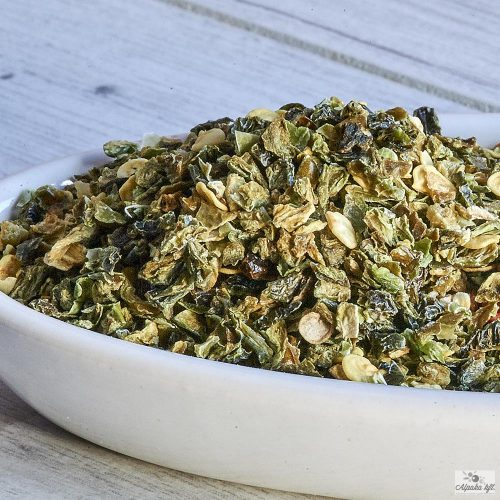 A zöld színű jalapeño chili granulátum takarékos és gazdaságos kiszerelésekben rendelhető.
