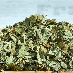 The dried version of the wood garlic leaves goes well with a variety of stews and soups.
