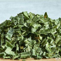 A metélőhagyma, vagy másnéven snidling az egyik legnépszerűbb tavaszi zöldfűszer.