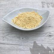 A sárga, őrölt mustármag víz, ecet és különböző fűszerek hozzáadásával mustárok alapanyaga is lehet.