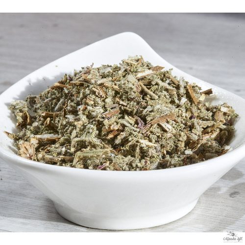 Sage, thanks to its characteristic aroma, is an ingredient in cooked dishes,green salads and spice o