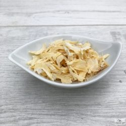 Adding a little water, dried onion slices can be used in a similar way as fresh onions.